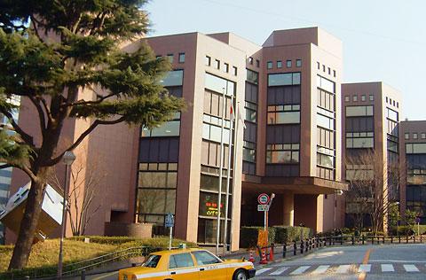 市民利用施設の中で最も利用者の多い図書館