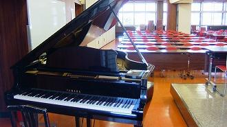 4階ピアノ(写真)