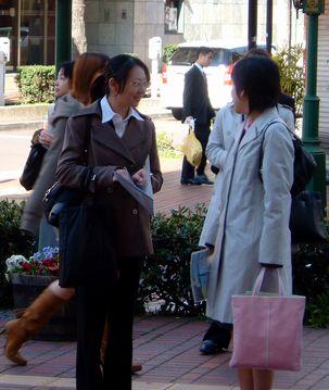 関内ホールでの入庁式に参加するフレッシャーズ